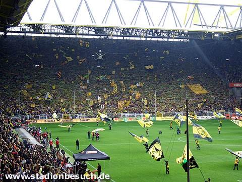 Le Signal Iduna Park (Westfalenstadion) peut accueillir 80 000 spectateurs