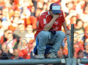 gente-Independiente-sufriendo-descenso_OLEIMA20130615_0126_8