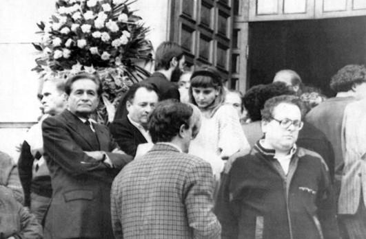 Costantino Rozzi à gauche, président de l'Ascoli à l'époque présent aux funérailles