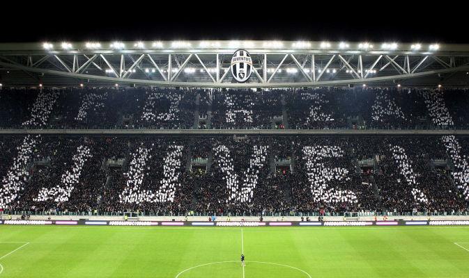 Agnelli suspendu un an — Juventus