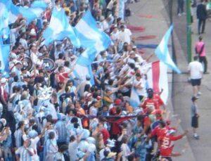 """les """"borrachos del tablon"""" de River et """"los diablos rojos """" de Independiente en 2006"""