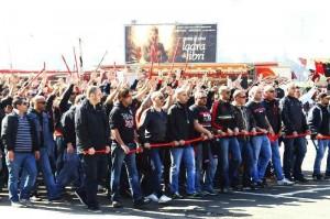 Protestation des ultras milanais avant la rencontre face à Parme. (DR)