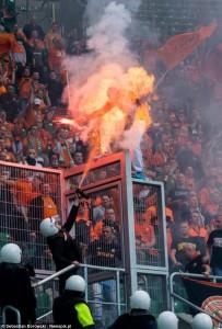 Un supporter Polonais transformé en torche humaine. (DR)