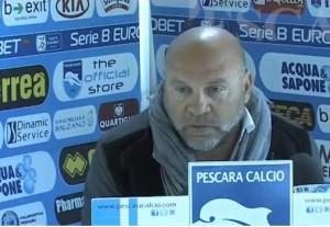 Serse Cosmi, l'entraîneur de Pescara, qui ne mâche jamais ses mots, a tenu à défendre les ultras en conférence de presse. (YouTube)