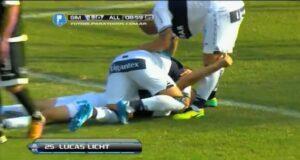 Lucas Licht s'illustre dès les premières minutes de jeu avec un retourné spectaculaire. (YouTube)