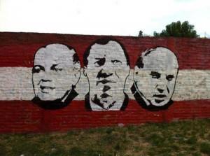 Sabella, Bilardo et Zubeldía. Graffiti dans une rue de La Plata.
