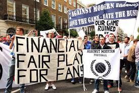 Manifestation des supporters Anglais contre la hausse des prix des places. (DR)