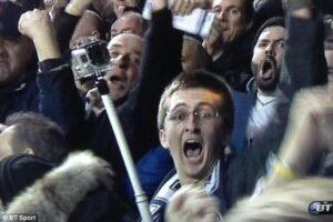 Un supporter de Tottenham célébrant un but. (DR)