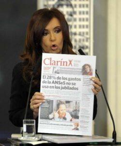 Cristina Kirchner en guerre contre le groupe Clarin. (DR)