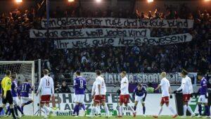 La banderole déployée par les supporters du FC Erzgebirge. (DR)