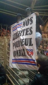 Les ultras parisiens à Nantes