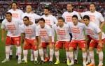 Unis dans la douleur. Joueurs d'Huracan solidaire du gardien du rival, Torrico. (DR)
