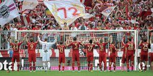 La communion entre joueurs et supporters. (DR)