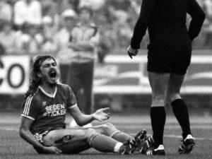 Lienen va être victime, en 1981, de la pire blessure de l'Histoire de la Bundesliga– Source : t-online
