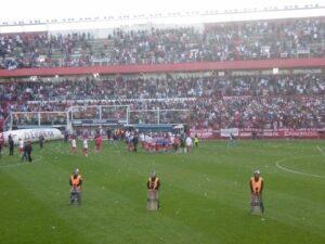 Effectifs policiers sur le terrain lors de la rencontre Argentinos Juniors - Estudiantes de la Plata (Bastien Poupat / La Grinta)