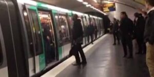 video-les-fans-de-chelsea-interdisent-a-un-noir-de-prendre-le-metro